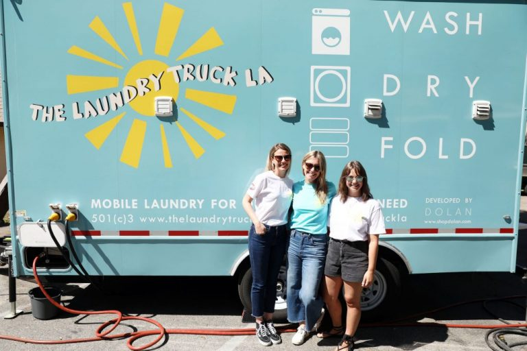 Advertise Purple Continues COVID-19 Philanthropic Efforts, Donating $1,680 For The Laundry Truck LA